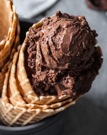 Chocolate con trocitos de chocolate